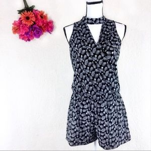 BY & BY sleeveless jumper with pineapples sz M